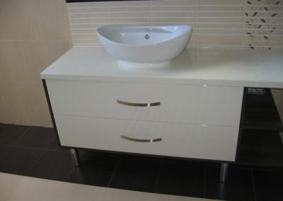 szafka łazienkowa na wymiar